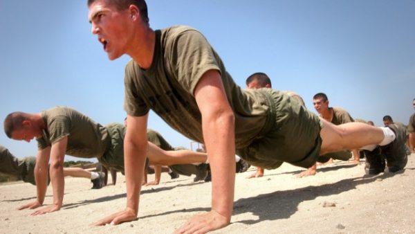 esercizi militari sui muscoli